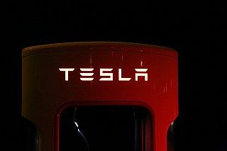 Tesla odhalila cenu za bateriové úložiště Megapack. Vyjde na 218 milionů korun