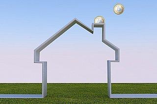 NKÚ: Stát rozdělil na energetické úspory domů jen třetinu plánovaných peněz
