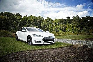 Autopůjčovna Hertz si objednala 100.000 vozů Tesla