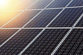 Jak se promítne extrémní zdražení solárních panelů do cen fotovoltaických elektráren vČesku?