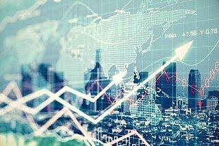 Ropa je na dvouletém maximu po zprávě o nečekaně silném poklesu amerických zásob
